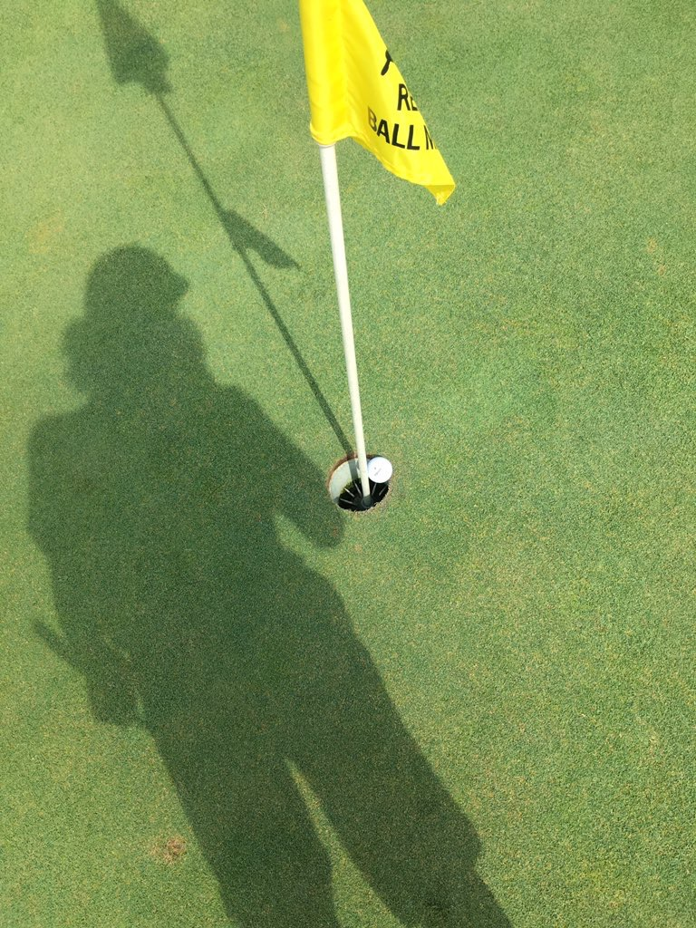 golf shadow